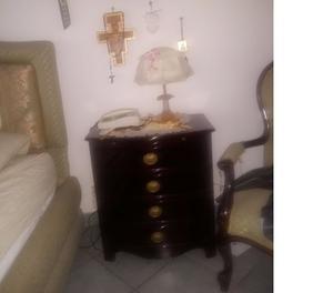 Svendita stanza da letto stile tudor metà del 900 | Posot Class