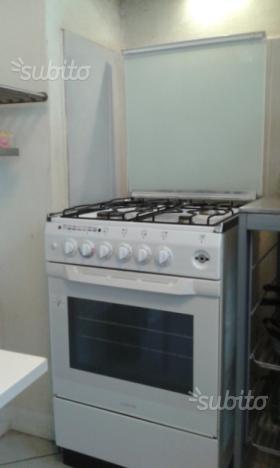 Cucina ariston 7 cuochi con forno posot class - Cucina ariston 7 cuochi ...