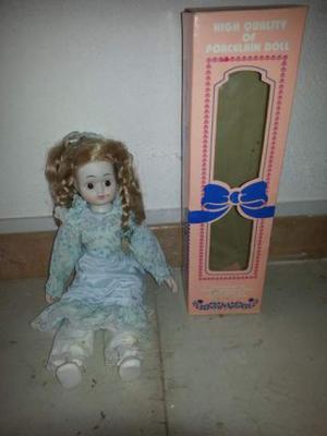 Bambolina in porcellana