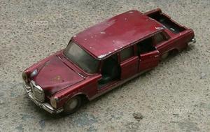 Dinky Toys Mercedes 600 n128