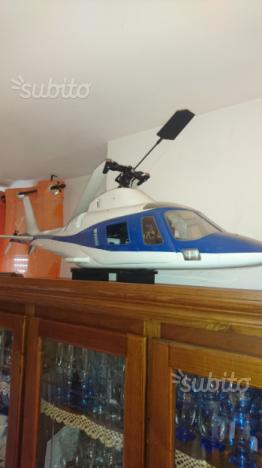 Rc augusta 106 elicottero dei carabinieri