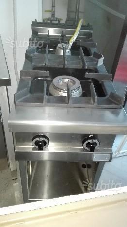 Cucina 2 fuochi silko armadiata linea 90 posot class for Cucina 8 fuochi zanussi