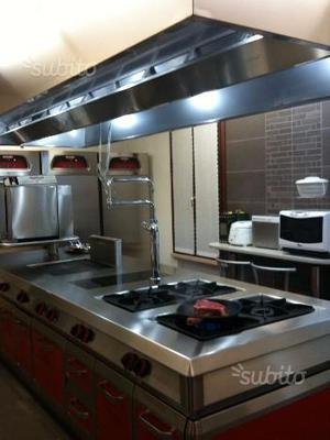 Cucina professionale 6 piastre posot class for Cucina 6 fuochi professionale usata