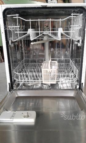 Lavastoviglie wegawhite da incasso standard usata   Posot Class