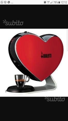 Macchina da caffè Bialetti a cuore rossa