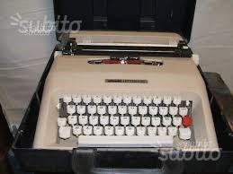 Macchina per scrivere Olivetti lettera 35