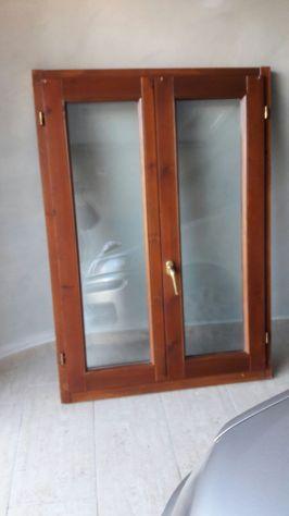 Finestra in legno 2 ante