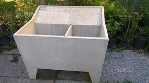Mini lavatoio con griglia in cemento posot class for Scivolo in ferro usato