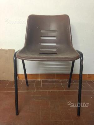stock di 200 sedie in plastica dura impilabili posot class