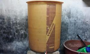 Vasche in vetroresina carrellate usate posot class for Vasche in vetroresina
