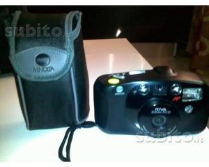 2 macchine fotografiche con rullino vintage