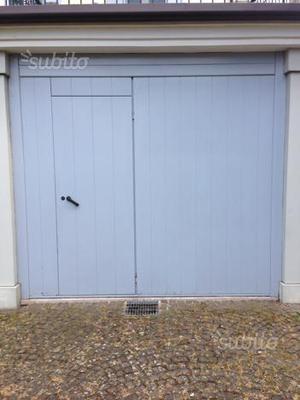 Portone basculante garage
