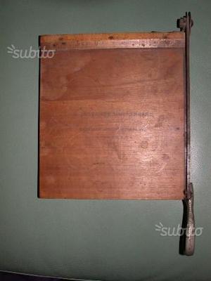Antica taglierina in legno Kodak