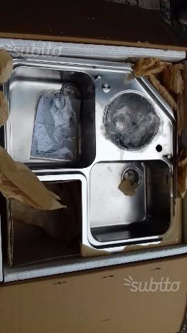 Cucina con lavello ad angolo | Posot Class