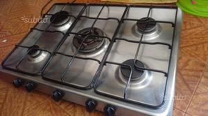 Cucina piano cottura a gas fuochi da appoggio posot class for Cucina 5 fuochi