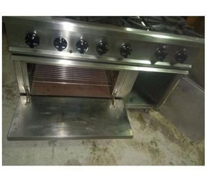 Cucina a gas 6 fuochi con forno serie zanussi posot class for Cucina 6 fuochi zanussi usata