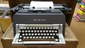 """Macchina da scrivere vintage Olivetti """"Linea 98"""""""