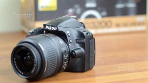 Nikon e obbiettivo Nikon