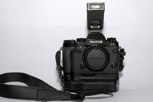 Reflex Fuji X-T1 con battery grip originale Fuji