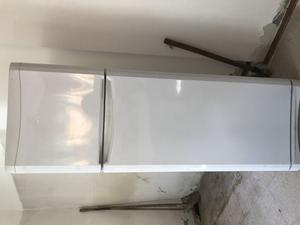 Vendo frigorifero Indesit mai usato