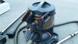 Aspirapolvere powerplus ad acqua posot class for Aspirapolvere antiacaro