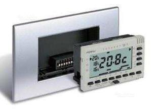 Cronotermostato ambiente da incasso pellicano posot class for Manuale termostato perry