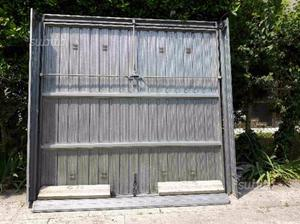 Due portoni basculanti garage