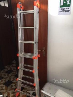 Scala allungabile in alluminio 4 4 gradini