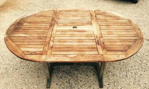 Tavolo e sedie da giardino in Teak