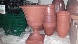 Vasi in terracotta, plastica, varie misure e forme