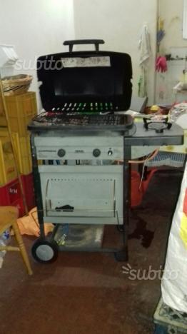 Barbecue a gas e pietra lavica