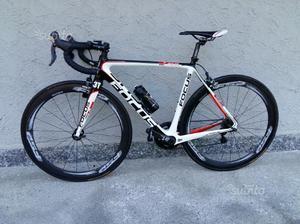 Bici da corsa focus isalcro pro