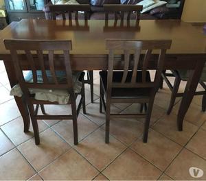 tavolo legno noce scuro allungabile con sedie