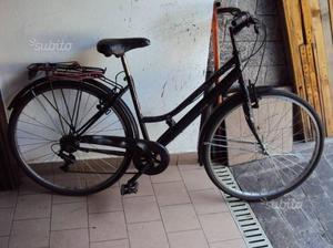 Bicicletta tipo city bike ruote di 28
