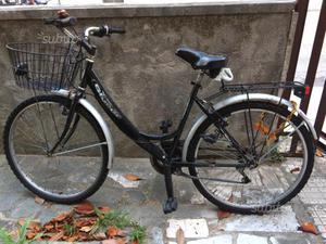 Bicicletta usata da donna