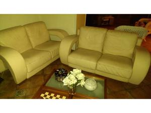 Coppia divani in pelle di marca