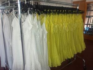Stock Abbigliamento donna estivo