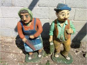 Coppia di statue da giardino.