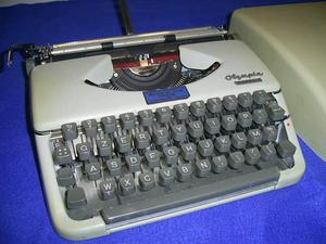 Macchina da scrivere portatile Olimpia