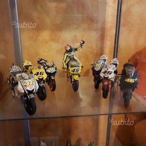 Moto minichaps Valentino Rossi scala 1:12