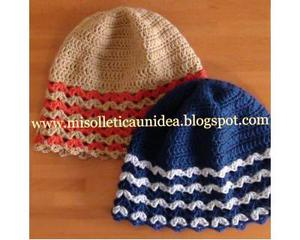 Cappello lana fatto a mano all'uncinetto personalizzabile