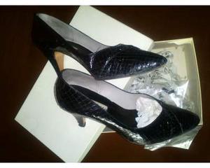 Stock n. 2 paia di scarpe per donna con tacco taglia 39,5 /
