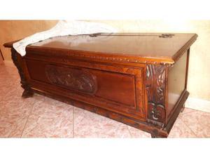 Antichi bauli in legno massello