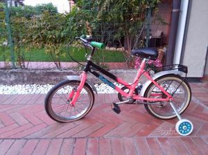 Bicicletta usata con rotelle
