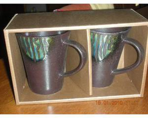 Coppia tazze/Mug in gres dipinto nuovi con scatola