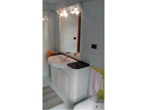 Mobile bagno con piano in marmo posot class - Bagno piano marmo ...