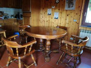 Tavolo rotondo in legno allungabile e 4 sedie