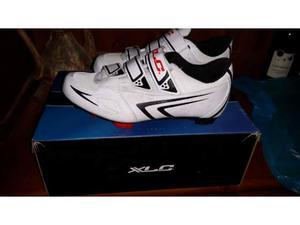 Vendo scarpe ciclismo donna numero 39 nuove mai usate