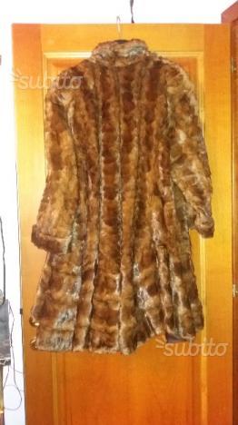 Due pellicce di visone usate pocchissimo