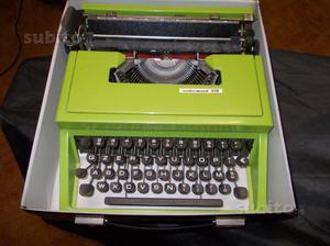 Macchina da scrivere vintage Underwood 310